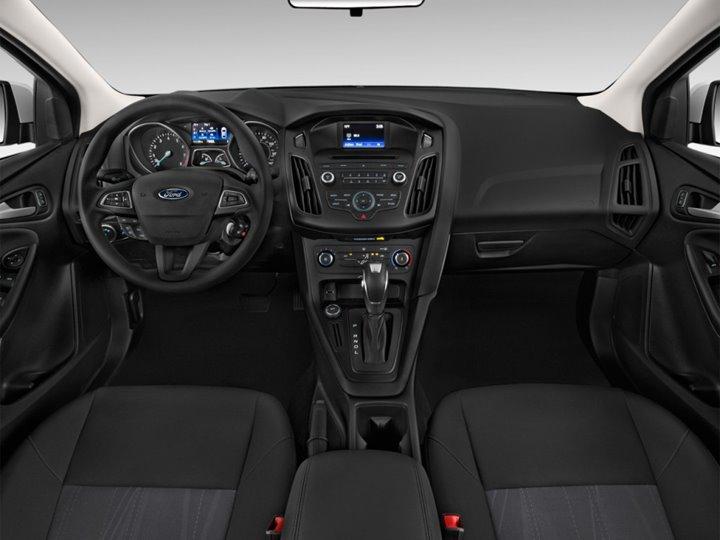 Source: Hgmsites,Ford Focus SE Sedan, 2016 Best Cars for Teenagers, Best Cars for Teenagers, 2016 Ford Focus SE Sedan
