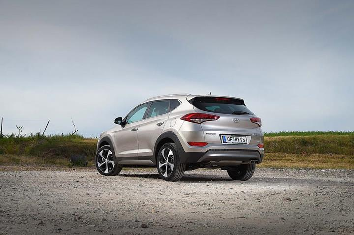 Featured Image: Autoexpress.co.uk,, 2016 Hyundai Tuscon Eco, 2016 cars, SUV, South Korean Cars, fuel-efficient SUVs