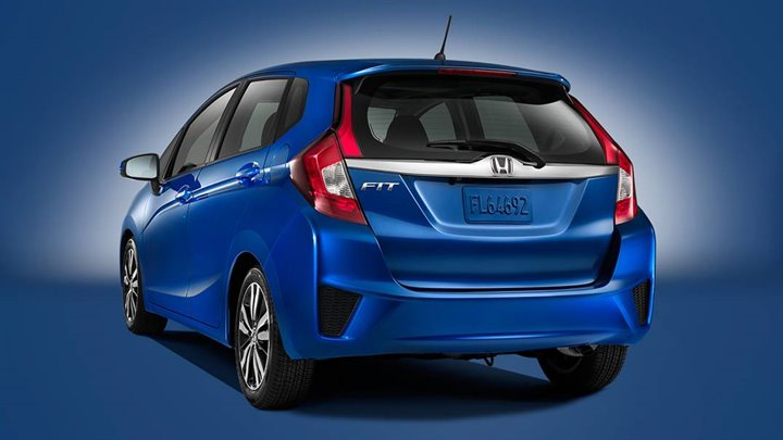 http://automobiles.honda.com/handlers/resize-image.ashx?w=1076&h=605&q=70&fn=/images/2016/fit/interior-gallery-new/2016-honda-fit-heated-front-seats-a.jpg