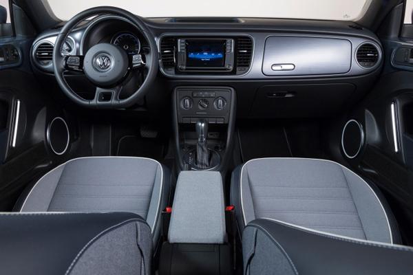 Volkswagen, Volkswagen Convertibles, 2016 Red Volkswagen Beetle Convertible, German Cars