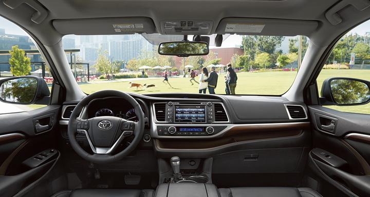 7 passenger family SUVs, 2016 Toyota Highlander, Toyota, SUV, Japanese Cars, Family Cars, Family SUVs, 3 Row Vehicles