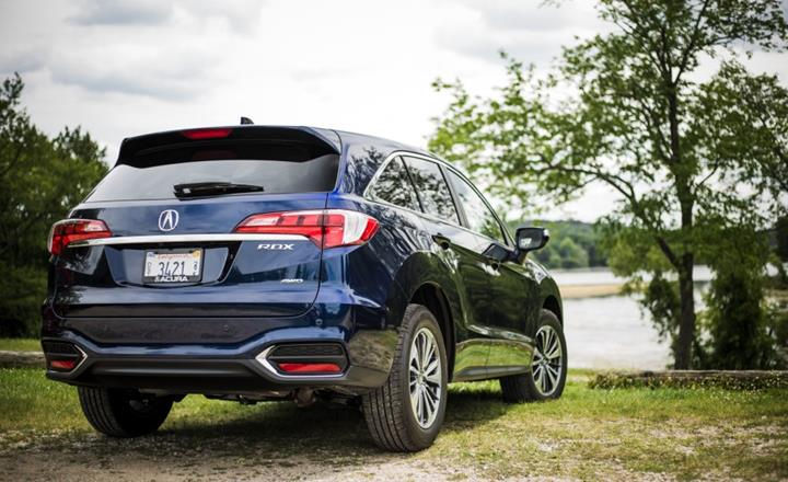 Featured Image: Caranddriver.com, 2016 Acura RDX, Luxury Cars, Luxury Cars Under $30000